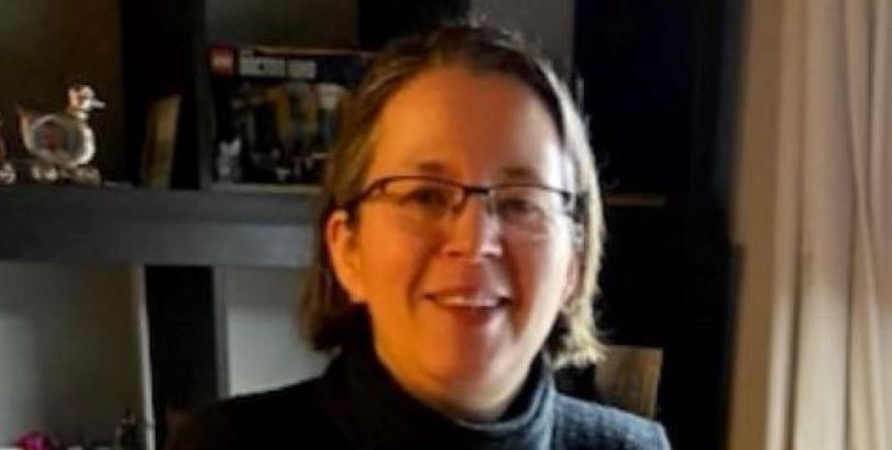 headshot_of_leanne_rolston